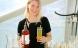 Hollandske Maidie hælder juletræer på flasker